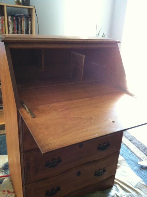 Dresser 5